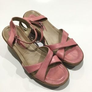 Dansko pink leather wedge sandals 10.5-11 euro 41